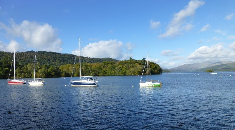 Sail boats on Windermere. Photo by Best Places Travel